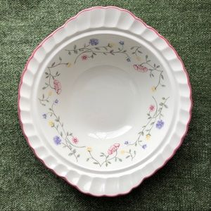 Serving bowl | 'Summer Chintz' by Johnson Brothers